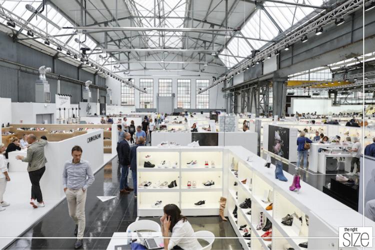 Gallery Fashion En Gallery Shoes Schuiven Datum Naar Voren